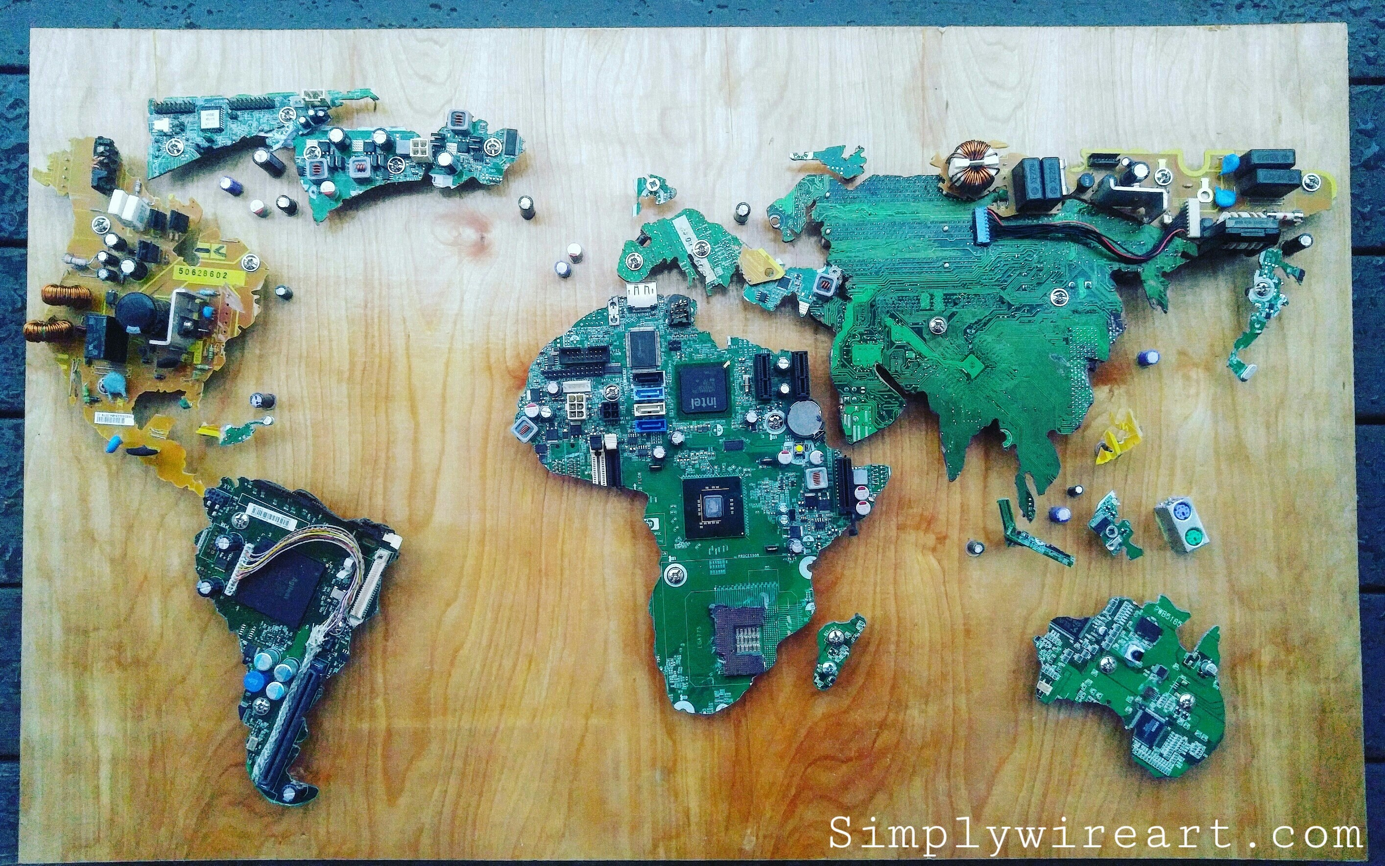 Recycled computer parts luminating world map simplywireart img20160221204905 gumiabroncs Gallery